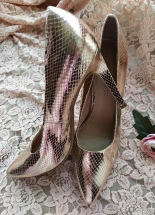Шикарные стильные дорогие туфли лодочки бронзовые золотые под ...