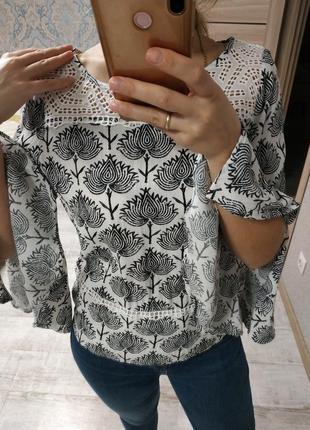 Шикарная блуза с рукавами воланами и прошвой