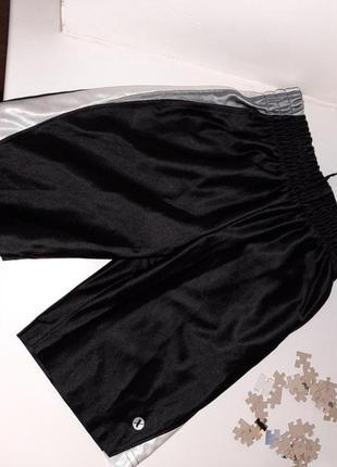 Черные спортивные шорты на мальчика
