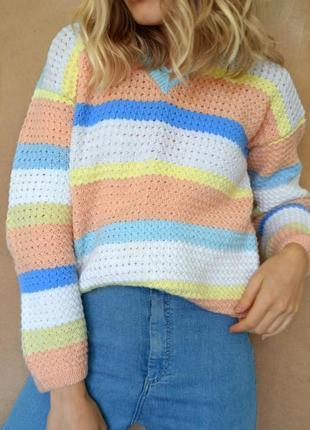 Стильный объемный вязаный свитер, ручной работы