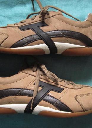 Tommy hilfiger (41) кожаные кроссовки