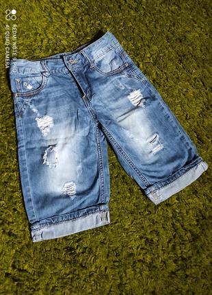 Модные джинсовые бриджи для мальчика