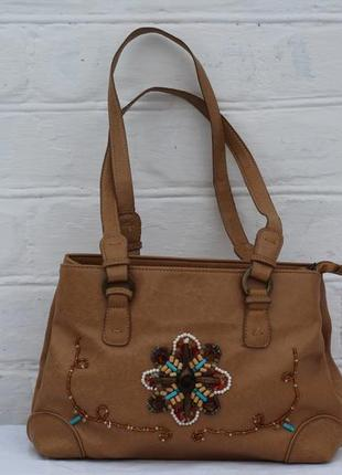 Стильная сумка с вышивкой из бисера