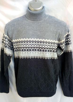 Молодежный мужской свитер под горло. Турция.