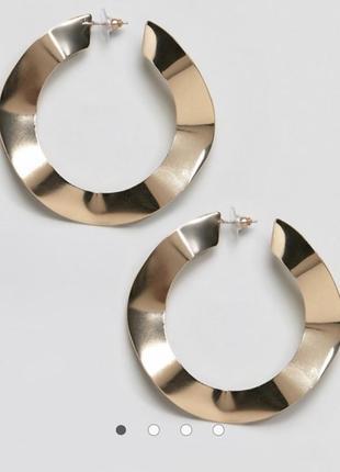 Золотистые серьги-кольца гвоздики изогнутые толстые широкие бо...