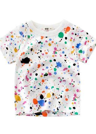 Яркая стильная футболка