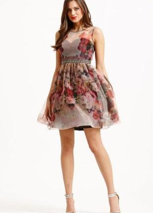 Платье из органзы с пышной юбкой пачкой