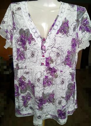 Свободная полупрозрачная футболка блуза с кружевами и крылышка...