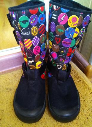 Суперкрутые деми сапоги ботинки со смайликами rocket dog на ве...