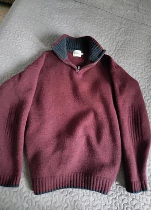 Теплейший шерстяной свитер