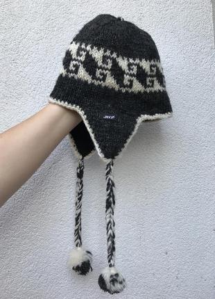 Эксклюзив,ручная работа,вязанная шерсть шапка-ушанка,помпоны,э...
