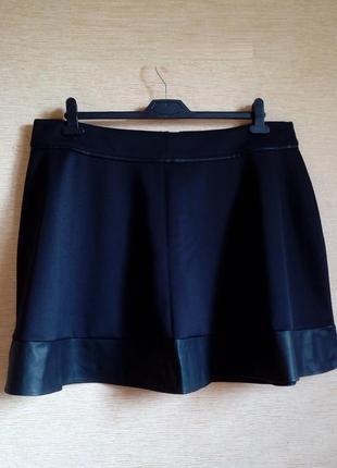 Черная юбка с кожаными вставками 54/56 размер