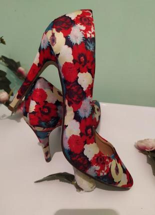 Туфли туфельки оригинальные стильные яркие цветы цветочный узо...
