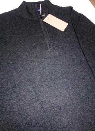 Класический графитовий свитер