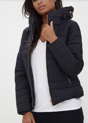 Prettylittlething чорна курточка