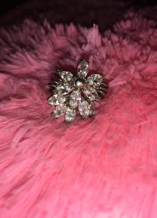 Восхитительное кольцо с серебра 925 пробы с фианитами