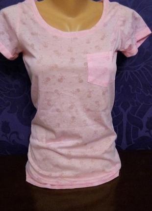Нежная розовая футболка размер 34