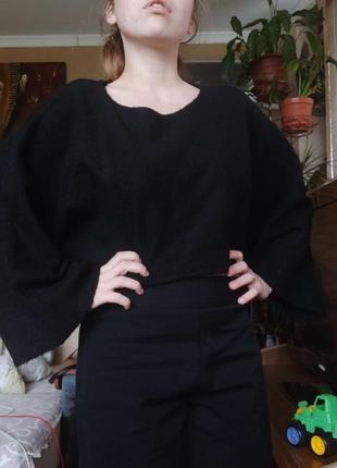 Укороченный свитер / кроп топ