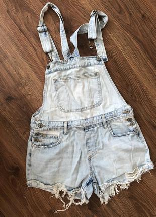 Комбинезон джинсовые  шорты