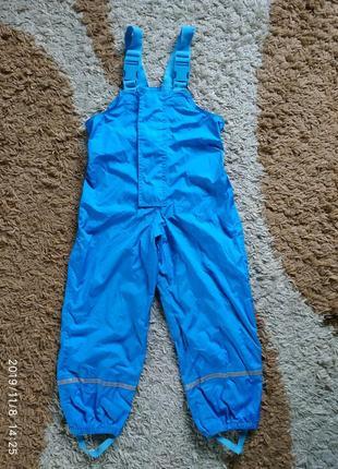 Фирменный непромокаемый полукомбинезон (дождевик) на 5-6 лет
