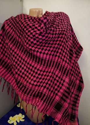 Малиновый шарф платок