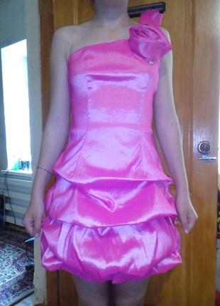 Вечернее розовое платье