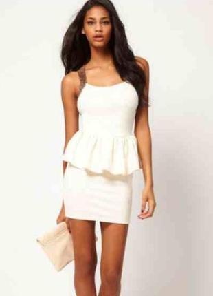 Белое айвори нарядное платье футляр с баской открытой спиной з...
