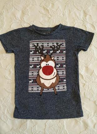 Стильная новогодняя футболочка с оленем деткам 4-5 лет (110),у...