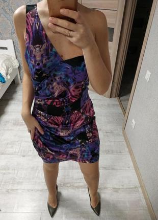 Красивое короткое вечернее платье на одно плечо