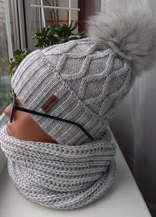 Новый комплект с люрексом: шапка с натуральным помпоном (на фл...