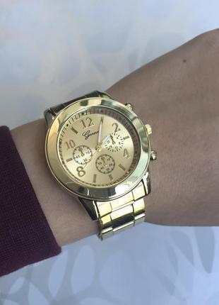 Женские красивые наручные часы женева geneva металлические зол...