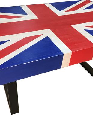 Крутой стол с британским флагом