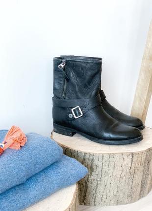 Чорні черевики ботінки tommy hilfiger