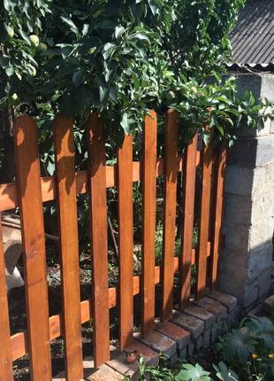 Деревянный забор , штакетник