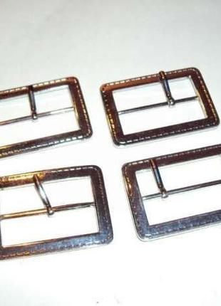 4 металлические пряжки, размер 37х53 мм