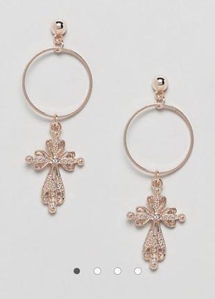 Серьги-кольца с подвеской в виде крестика креста