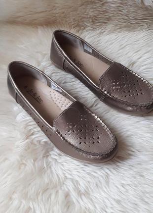 Золотистые кожаные туфли мокасины с перфорацией jo&joe 40 размер