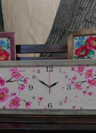 Часы настенные с вышивкой