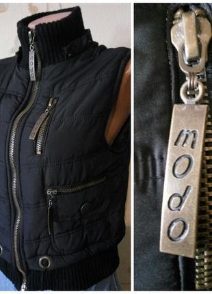 Классная куртка бузрукавка жилетка . размер s