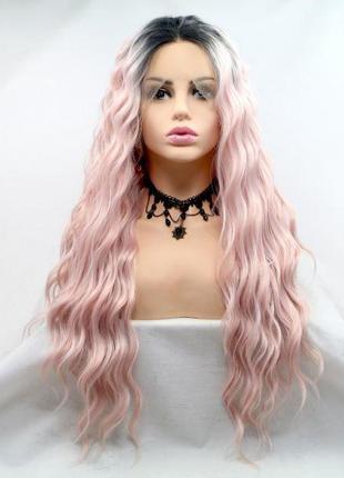 Длинный розовый парик с омбре и мягкими кудрями
