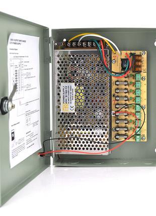 Импульсный блок питания 12V-15A/9CH в боксе с замком перфориро...