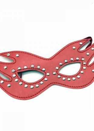 Кожаная маска кошки на резинке украшенная паетками