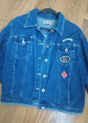 Джинсовая куртка джинсовка с нашивками