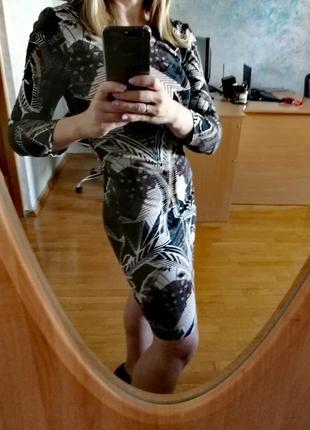 Платье из плотного трикотажа gina tricot