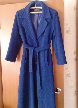 """Демисезонное пальто, ткань """"букле"""" насыщенного синего цвета"""