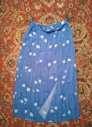 Красивая и нежная юбка в пол,примерно 46размер