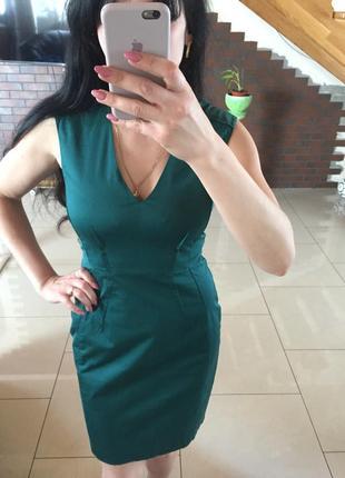 Платье футляр с v-образным вырезом изумрудное h&m