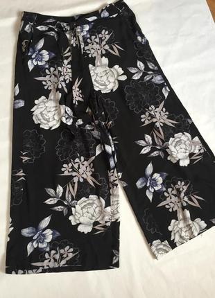 Шикарные широкие  штаны брюки кюлоты в цветы terranova💕💕