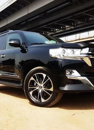 169 Аренда внедорожника Toyota Land Cruiser 200 черная