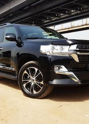 169 Toyota Land Cruiser 200 черная прокат без водителя